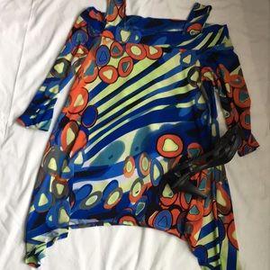 Tops - Colorful shark bite hem tunic